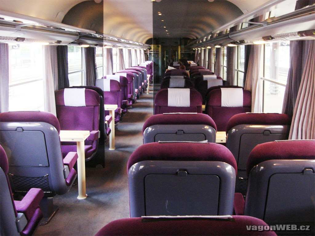 1000 images about france interregional trains corail on for First class 8 interieur